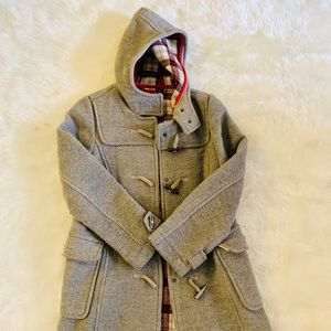 EUC Grey Hooded Old Navy Coat w Red Plaid Lining